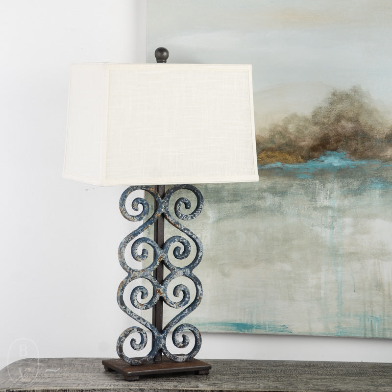 IRON CURVED SCROLL LAMP WITH IRON BASE