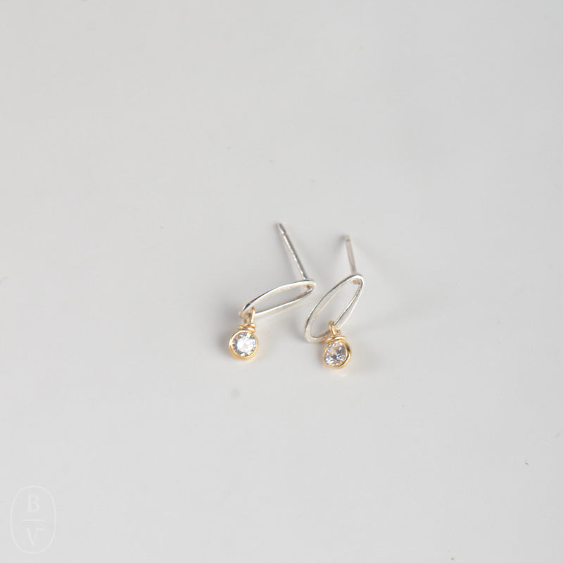 OVAL STUD CRYSTAL EARRINGS - C390435