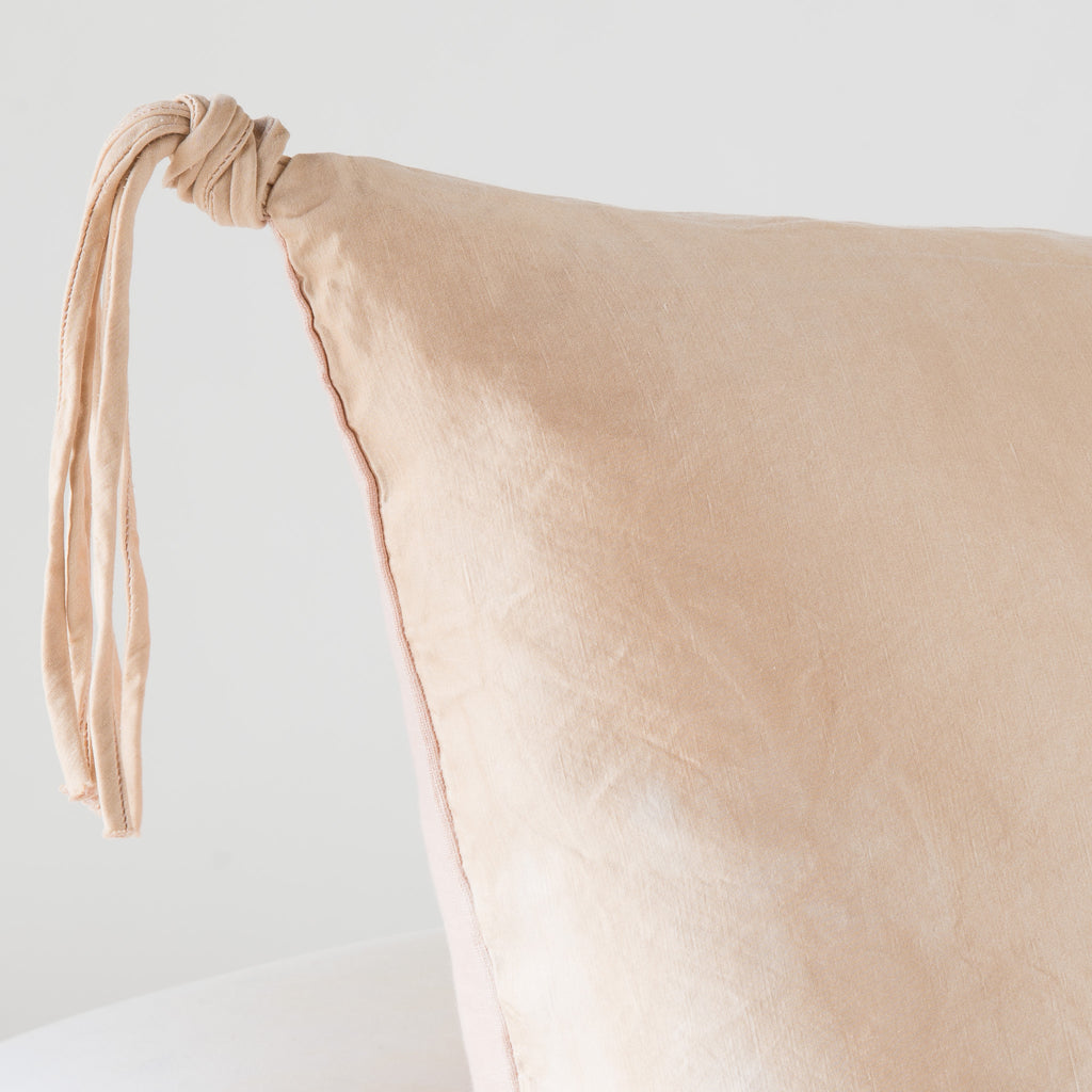 TALINE ACCENT PILLOW