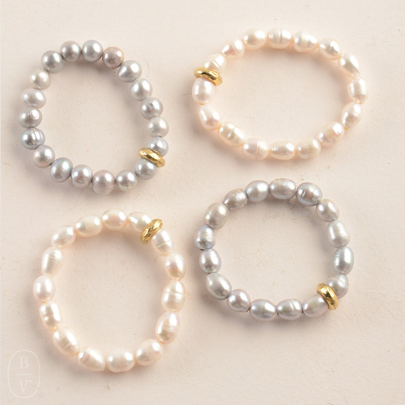 GOLD WASHER PEARL STRETCH BRACELET