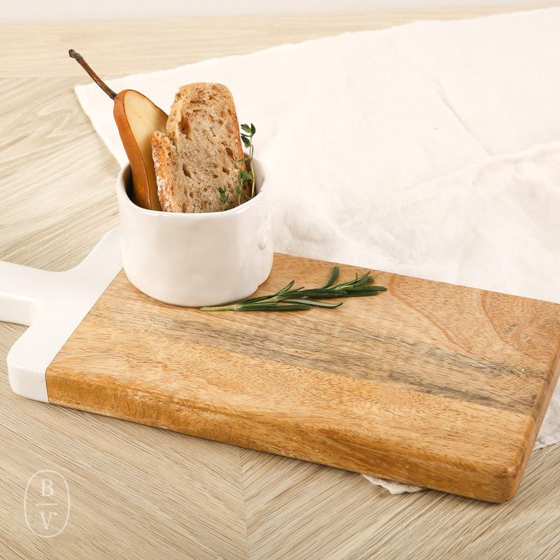 LONG CUTTING BOARD WITH HANDLE