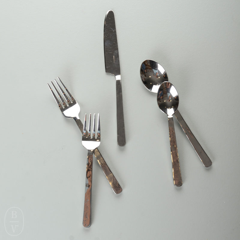 ORLEANS 5 PIECE FLATWARE SETTING