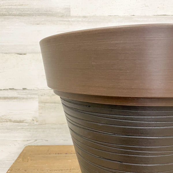 Carve Finish Planter Chocolate - 14-inches