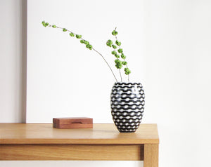 B&W Resonance Barrel Vase Big