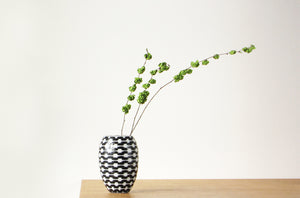 B&W Resonance Barrel Vase Medium