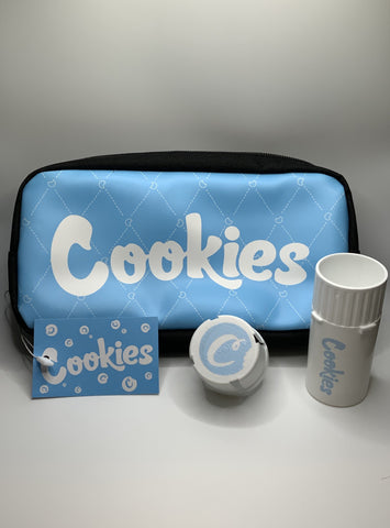 Cookies Pouch With Cookies Medtainer