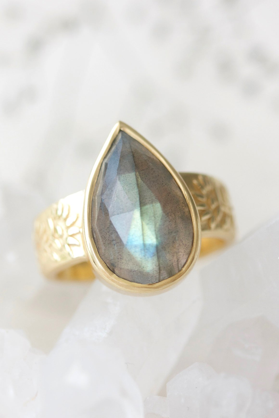 Labradorite Wildflower Ring - Gold
