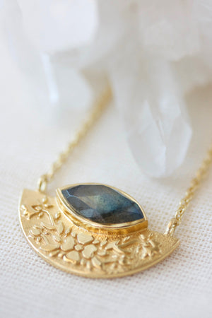 Wildflower Necklace Labradorite - Gold
