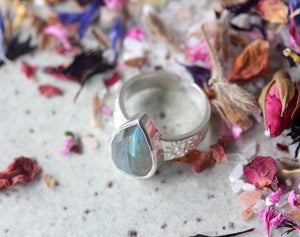 Labradorite Wildflower Ring - Silver