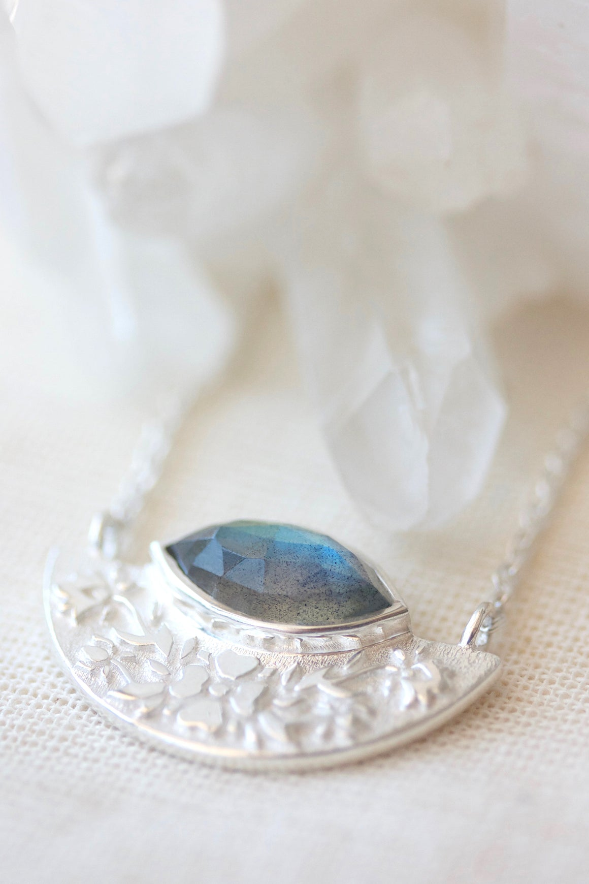 Wildflower Necklace Labradorite - Silver
