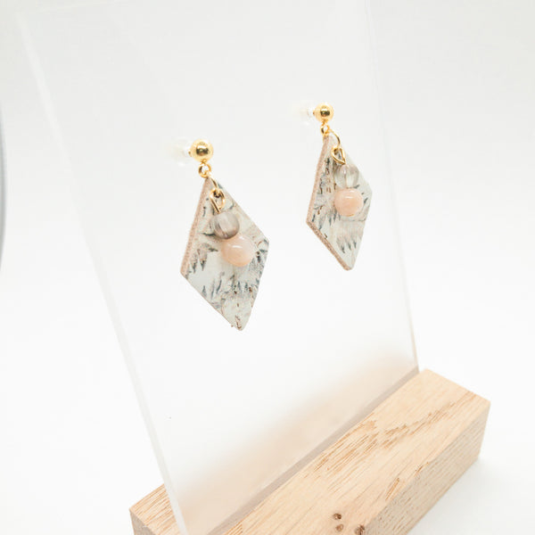 DAINTY DIAMONDS CORK EARRINGS | FALLING LEAVES