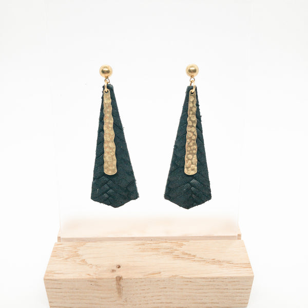 LONG DIAMOND LEATHER EARRINGS | BLACK