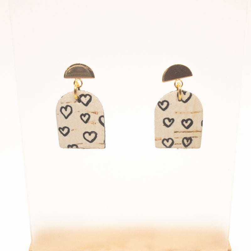 CORK POST EARRINGS | BLACK HEARTS