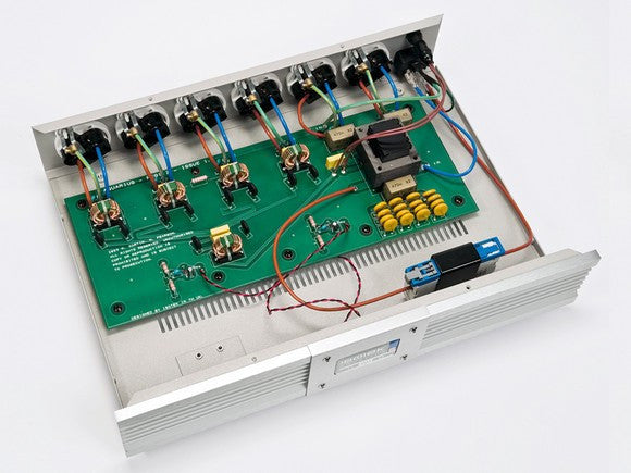 ISOTEK EVO3 AQUARIUS 6 OUTLET High Current Power Conditioner/Filter (Internal) | Douglas HIFi