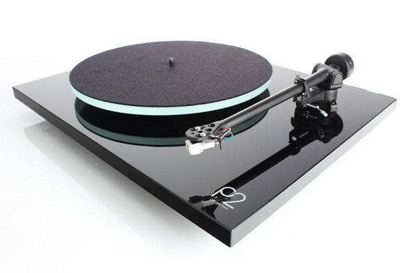 Rega Planar 2 Turntable (Black) | Douglas HiFi