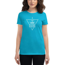 Load image into Gallery viewer, Fitted Food Lover T-Shirt - White T-shirt Good Grub Love Caribbean Blue S