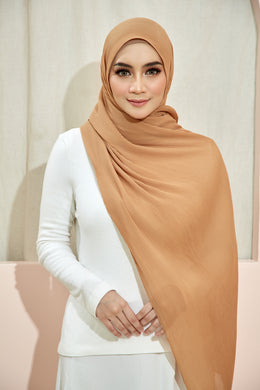 PLEATED SHAWL - LIGHT BROWN