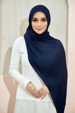 PLEATED SHAWL - NAVY BLUE