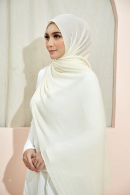 PLEATED SHAWL - OFF WHITE