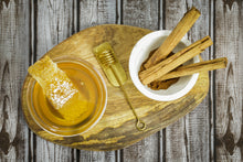 Load image into Gallery viewer, Specialty Gourmet Honey: Organic Ceylon Cinnamon Infused Raw Honey - 12oz Jar