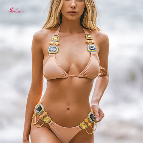 Stand out from the crowd with bikini jewelry 3