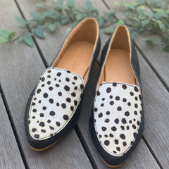 Hide Pointed Loafer White Cheetah