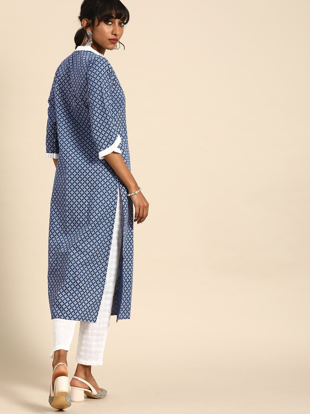 Nayo Women Indigo Blue Calf Length Three-Quarter Sleeves Straight Ethnic Motifs Printed Cotton Kurta