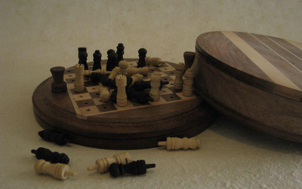 TRAVEL ROSEWOOD CHESS SET