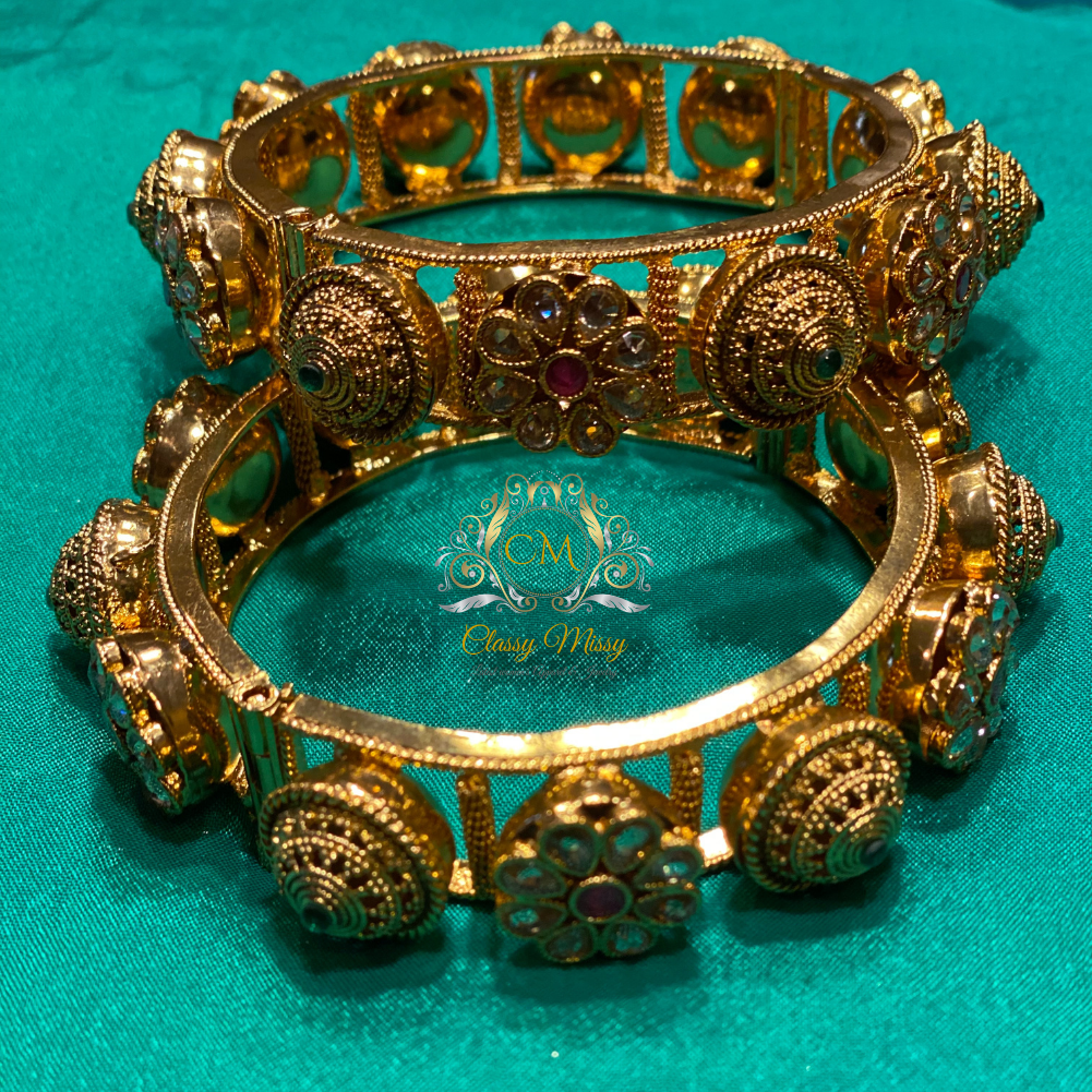 Antique Golden Kundan Bangle