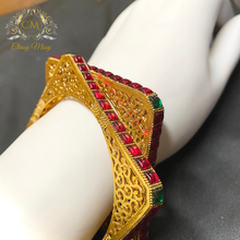 Load image into Gallery viewer, Traditional stone studded Square shape bangle set