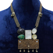 Load image into Gallery viewer, Antique Necklace set