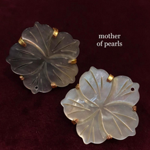 Load image into Gallery viewer, Earrings - Mother of Pearls
