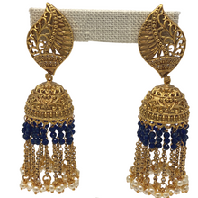 Load image into Gallery viewer, Jhumka with Hanging beads