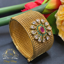Load image into Gallery viewer, Traditional Stone studded broad Kada /Bangle