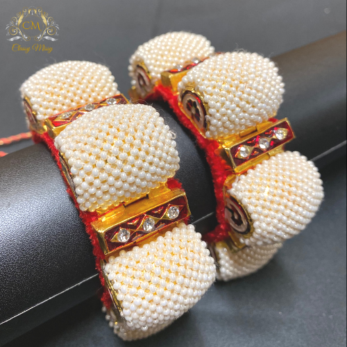 Traditional white and maroon bangle / bracelet