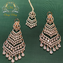 Load image into Gallery viewer, Stone studded Long Earrings with Mang Tikka