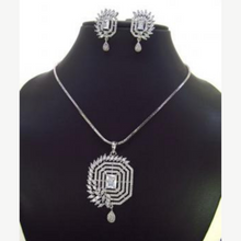 Load image into Gallery viewer, Silver plated necklace set