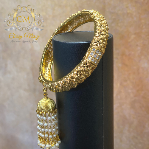 Hanging Pearls Gold Kada