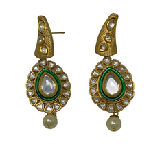 Load image into Gallery viewer, Gold Kundan Earrings