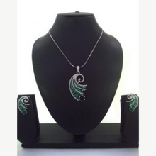 Load image into Gallery viewer, Two Tone Necklace set