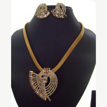 Load image into Gallery viewer, AD / CZ Golden planting necklace set
