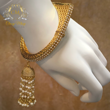 Load image into Gallery viewer, Gold beads Hanginng Kada