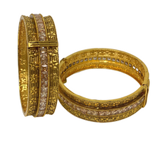 Load image into Gallery viewer, Kundan Kada / Bracelet pair
