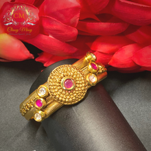 Load image into Gallery viewer, Kundan & Ruby Antique Gold plated Kada