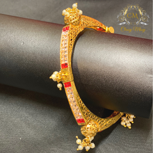 Load image into Gallery viewer, Gold plated hanging beads with Ruby - Kada