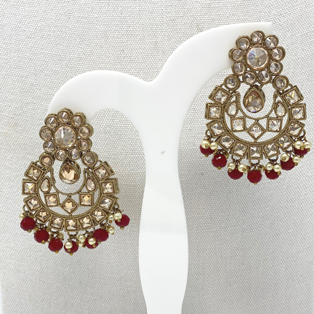 Choker with Earring and Maang Tikka