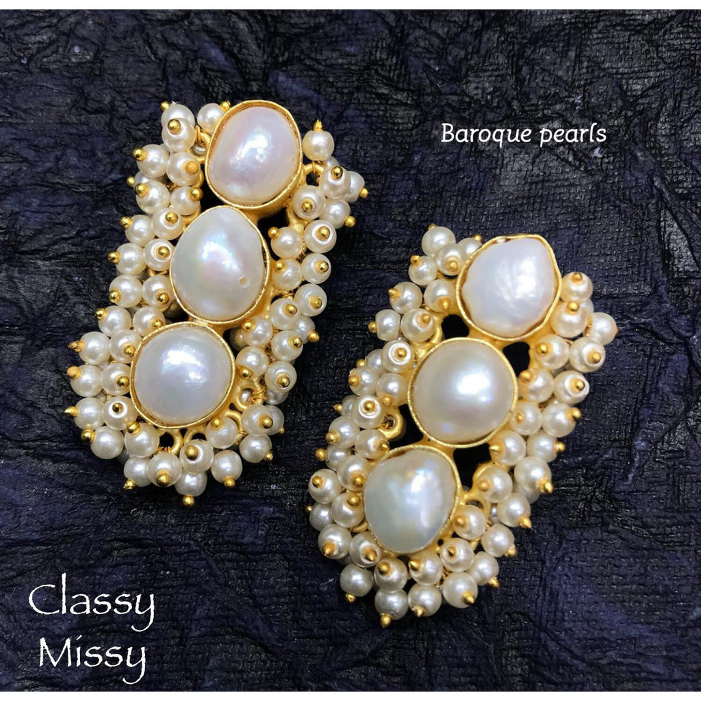 Pearl earrings - Classy Missy by Gur
