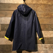 Load image into Gallery viewer, Vintage reversible Fisherman's Raincoat