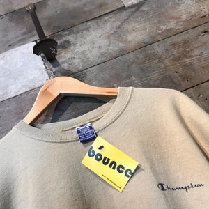 Great Beige Vintage Champion Sweatshirt with Champion script and C logo. Size M