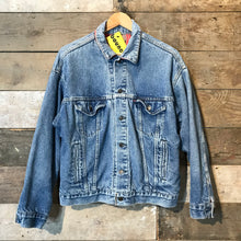 Load image into Gallery viewer, Vintage Levi's Denim Type III Lined Trucker Jacket. SIze Large.